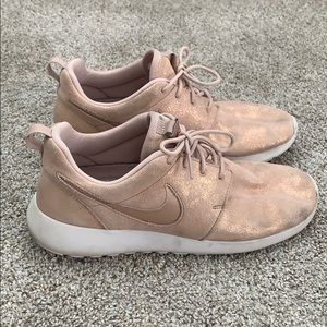 Nike size 8.5 rose gold sneakers
